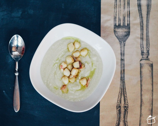 Celeriac soup with scallops and pancetta