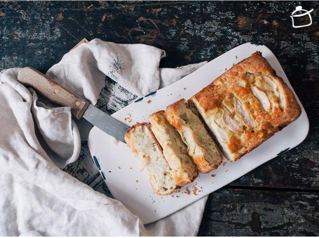 cake salé aux poires, gouda et graines de pavot