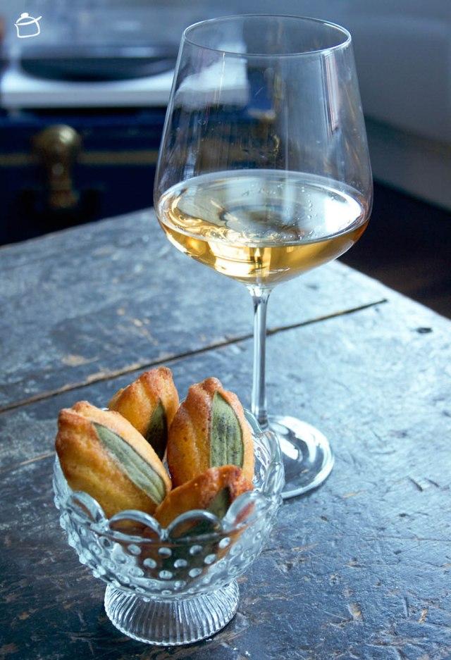 madeleines di polenta aromatizzate alla salvia