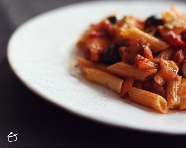 penne with apples and olives