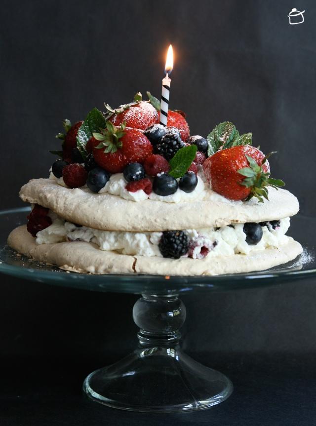 hazelnut meringues cake