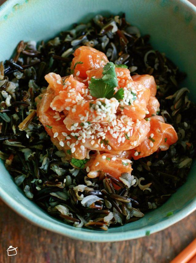 saumon tartare avec riz noir