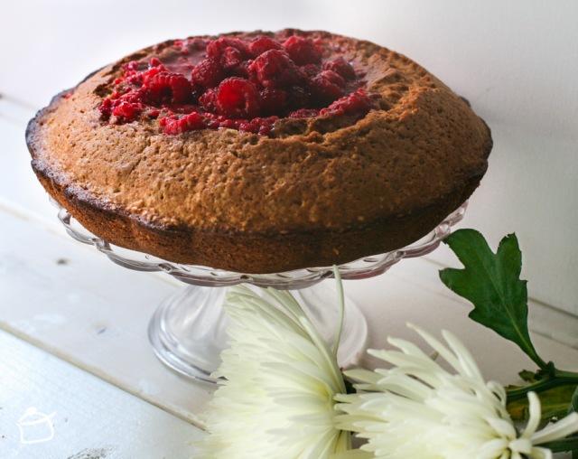 buckwheat and raspberry cake