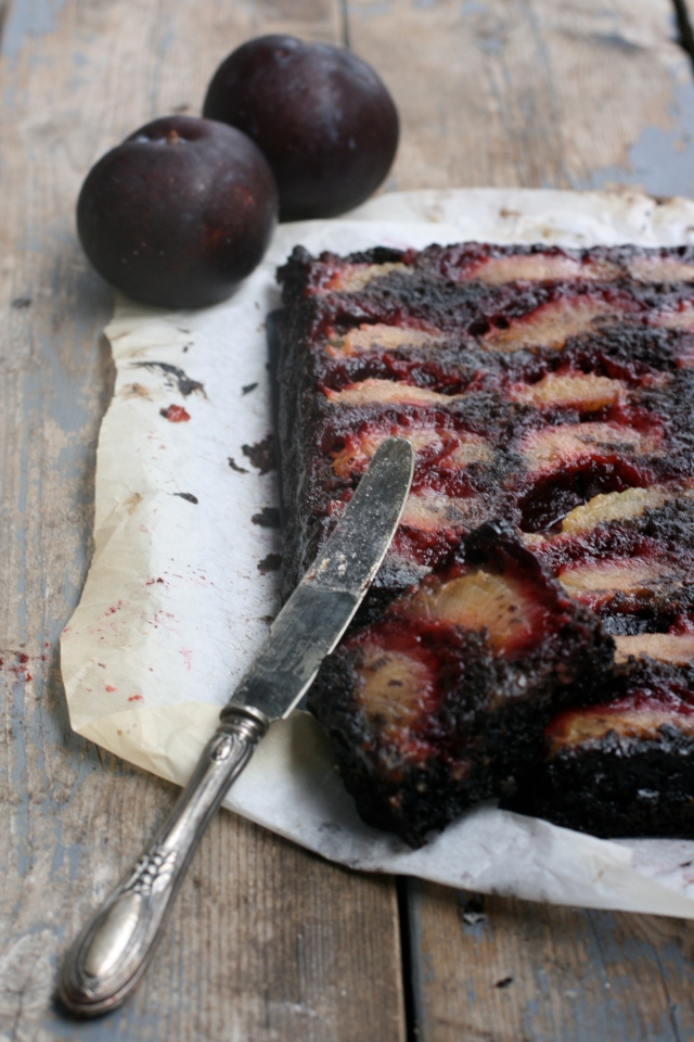 upside-down chocolate and plums cake