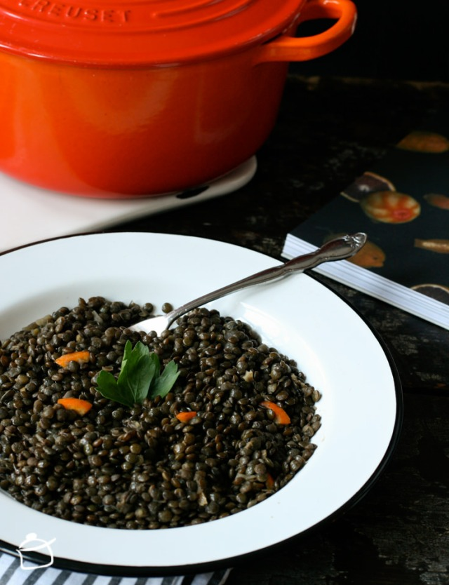 French lentils cooked in black tea