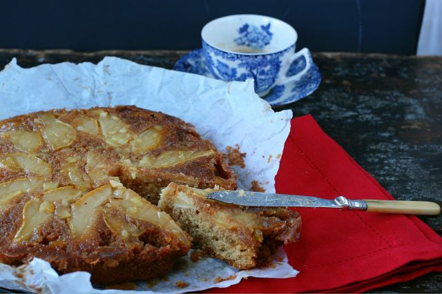pear and candied ginger christmas cake