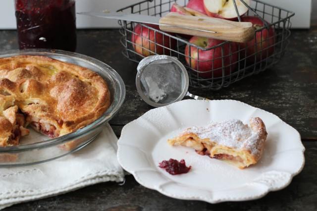torta di mele con marmellata di mirtilli